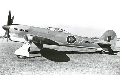 prototyp Hawker Tempest V HM595.