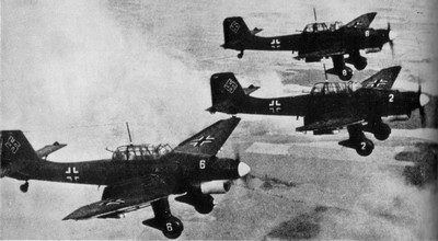 Junkersy Ju-87 w locie