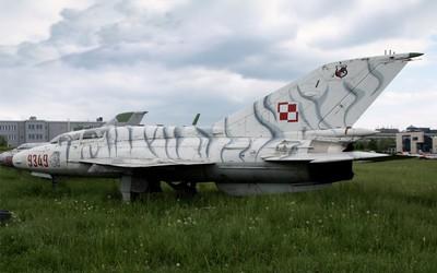 Mikojan-Gurewicz MiG-21 UM