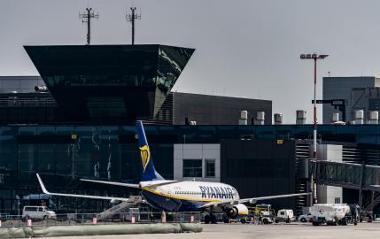 13793334_Krakw-Ryanair.jpg