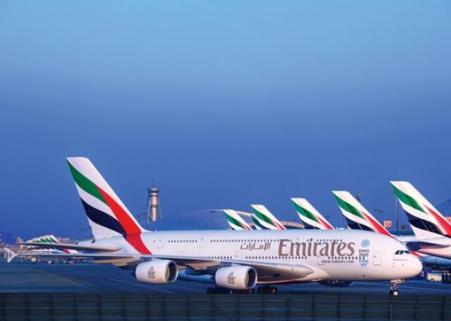 14022043_emirates_a380_fleet_at_dubai_international-1.jpg