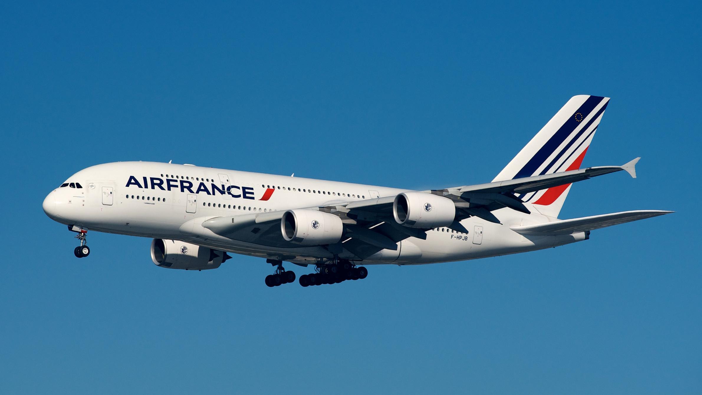 Air France Airbus A380-800 F-HPJB