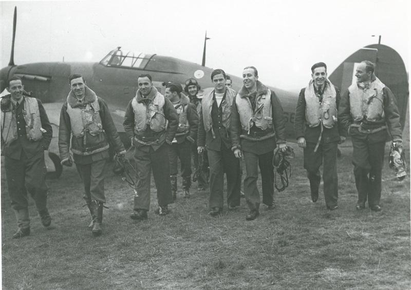 Grupa pilotów Dywizjonu 303 w 1940 roku. Archiwum prywatne Autora