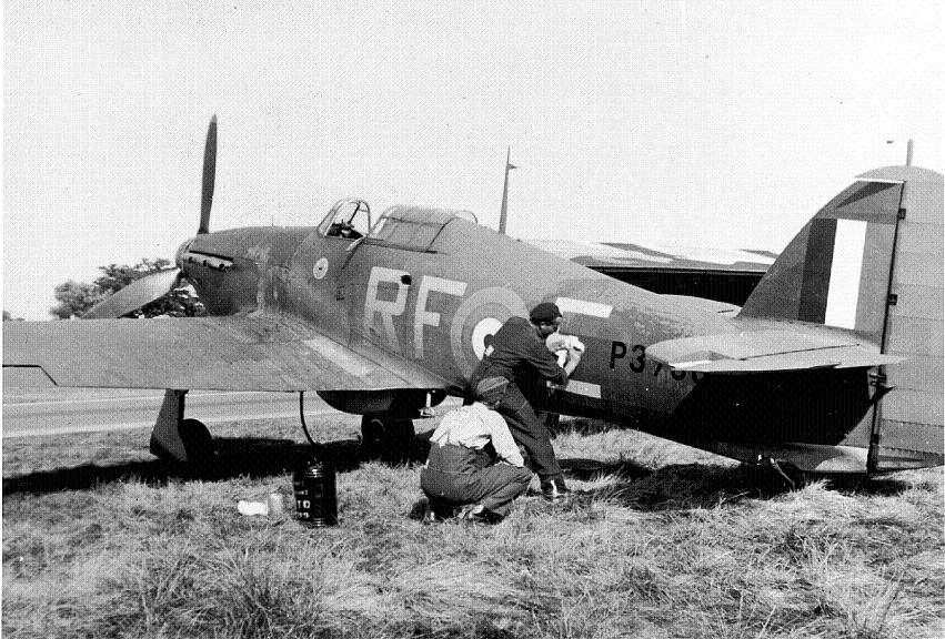12. Original Hurricane RF-E P3700  Polish Embassy UK BoBPoles