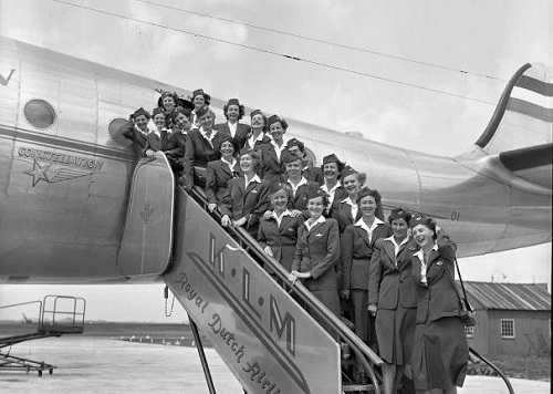 KLM pierwsze damskie zalogi pokladowe.jpg