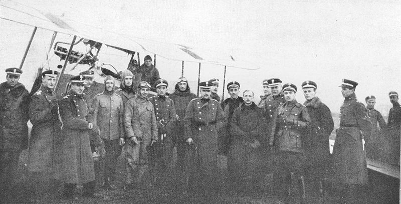 WojskowaSzkolaLotnicza Instruktorzy i uczniowie fot  Romejko Zareba