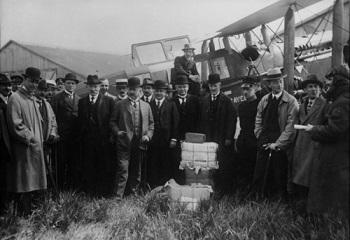 pierwszy komercyjny lot KLM.jpg