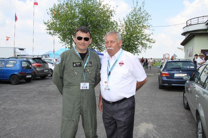 Dowódca 31. BLT Cezary Wiśniewski wraz z organizatorem, Marianem Sadowskim