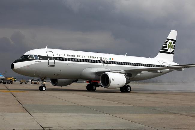 "Airbus A320 ""St Coleman"" w malowaniu retro"