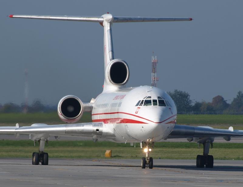 Tu-154_jg2