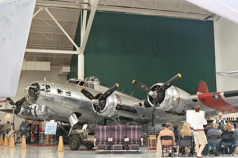800px-B-17G_at_Evergreen_Museum