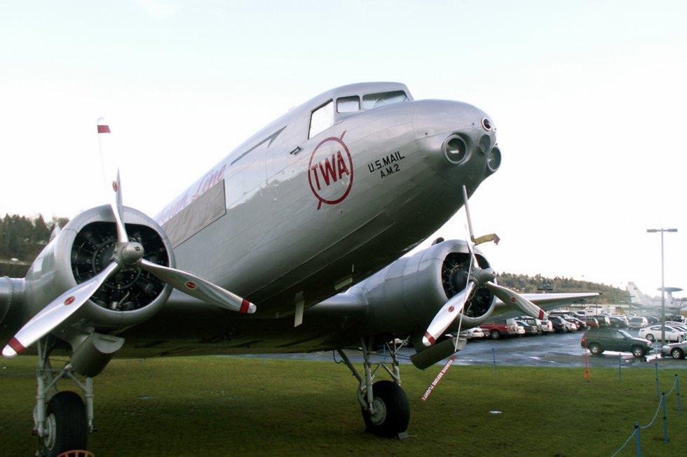 Douglas-DC-2-1_P1
