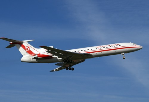 Tu-154_102_JF0909n