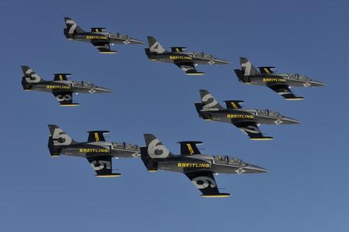 Breitling Jet Team w akcji.