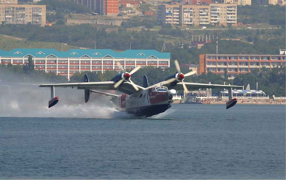 Beriev Be-12 Gelenzhik 2Sept2004