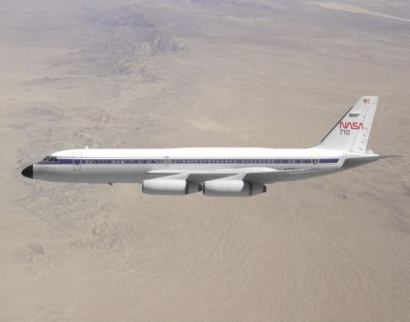 Convair 990 in flight EC89-0042-11